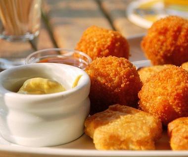 Рецепт Куриные наггетсы смедово-горчичным соусом