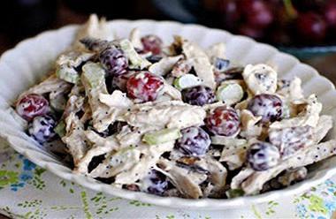 Салаты с мясом и виноградом