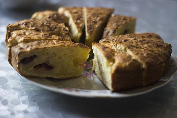 Быстрый пирог с фруктами на сметане