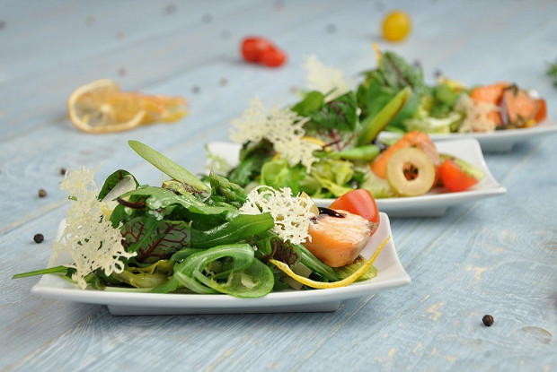 Норвежский салат с семгой