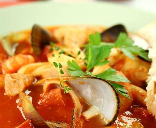 Средиземноморский рыбный суп с карри и шафраном