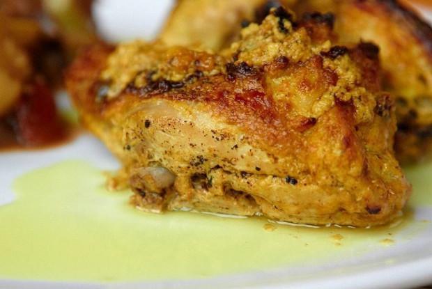 Курица со сметаной и чесноком