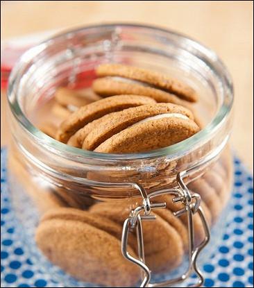 Печенье из цукини с орехами и сырной прослойкой