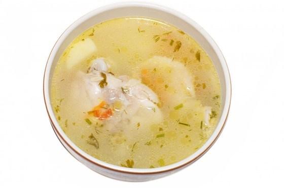 Суп с кусочками курицы