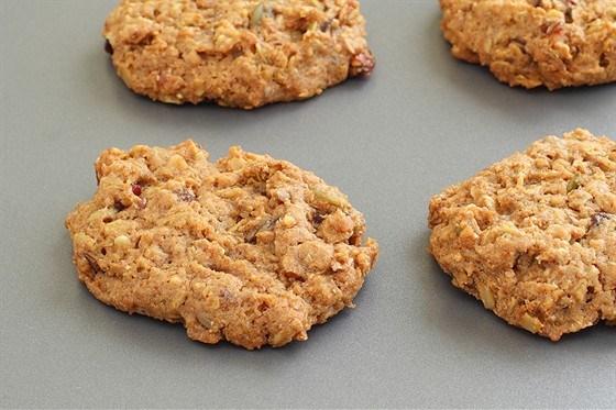 Печенье с имбирем и сухофруктами
