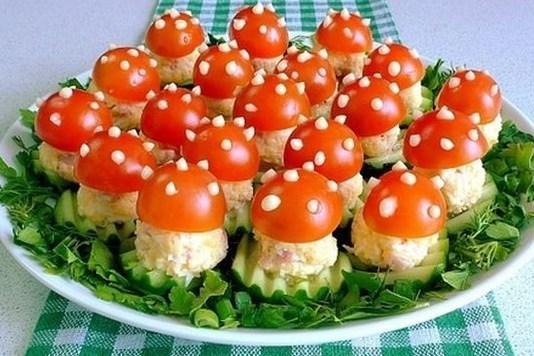 Овощная закуска с ветчиной и яйцами «Мухомор»