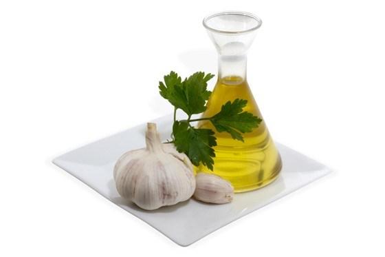 Чесночное масло с кориандром и петрушкой