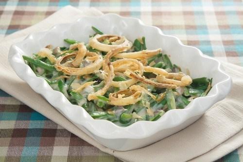 Зеленая фасоль с заправкой из йогурта и тахини