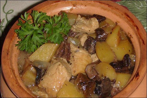 Блюда в горшочках с картошкой мясом грибами и картошкой в духовке рецепт 190