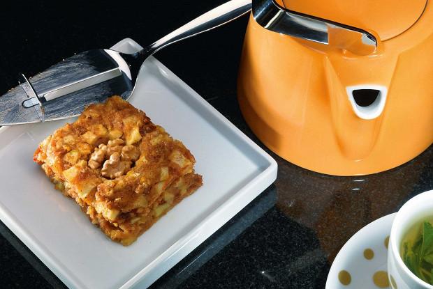 Яблочно-финиковое пирожное