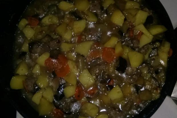 Баклажаны с мясом и картофелем