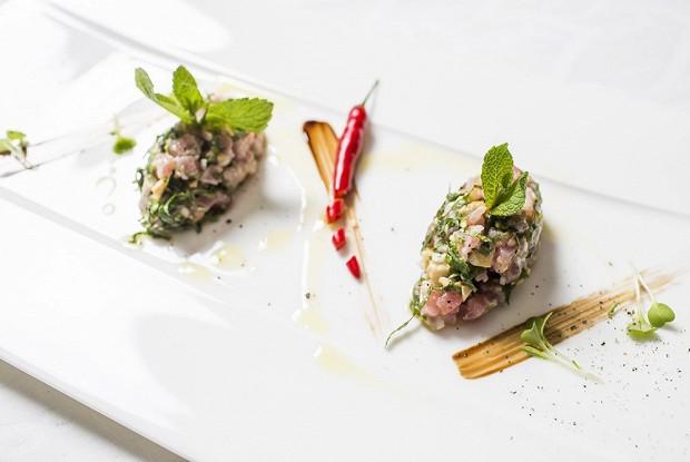 Тартар из тунца в тайском стиле от Жереми Урюти