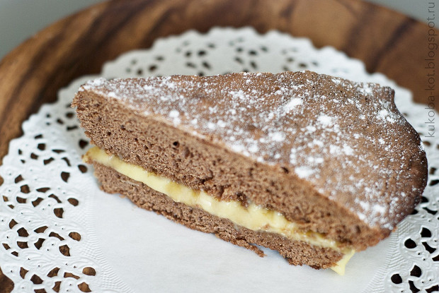 Шоколадный пирог с банановым кремом