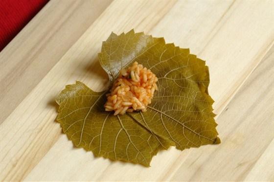 Долма с кедровыми орешками рецепт – турецкая кухня ...