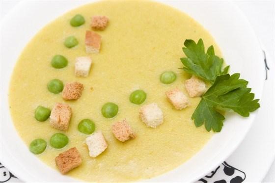 Гороховый крем-суп с петрушкой