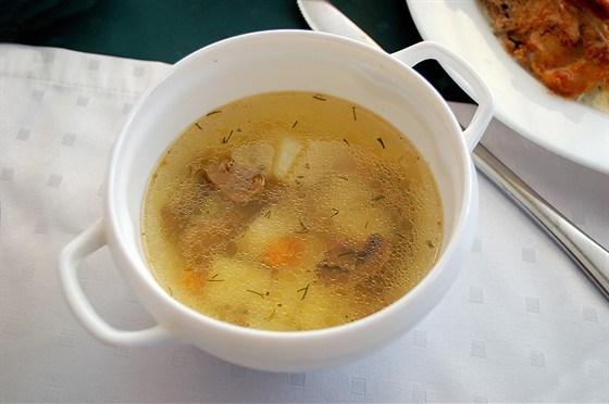 Суп грибной с картофелем