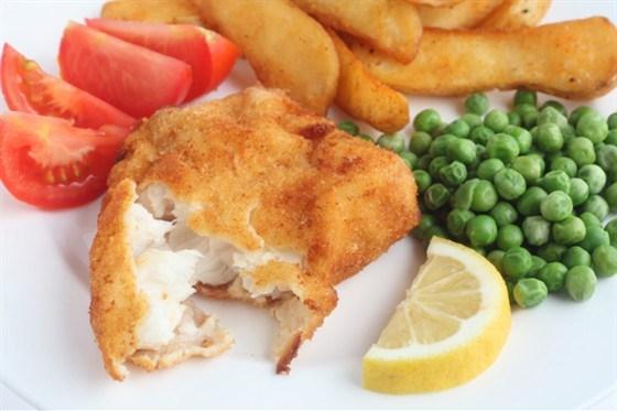 Рыба в пивном тесте с хрустящими чипсами