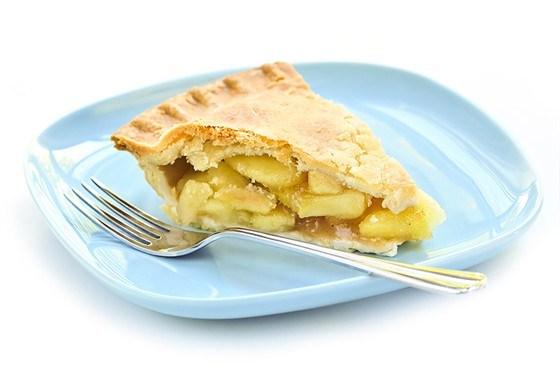 Пирог из песочного теста с зелеными яблоками