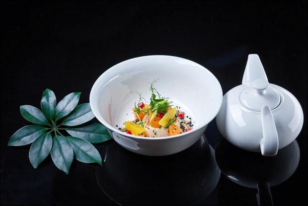 Суп-пюре из тыквы с крем–брюле из гречки и запеченной морковью