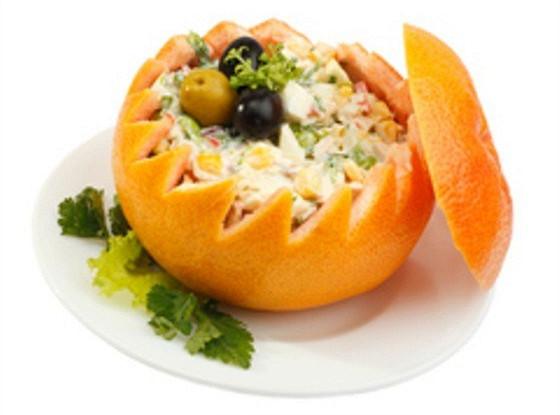 Морепродукты в грейпфруте