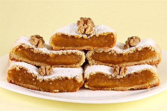 Тыквенный пирог с корочкой из грецких орехов и коричневого сахара
