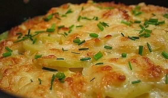 Картофель дофине, запеченный под сыром