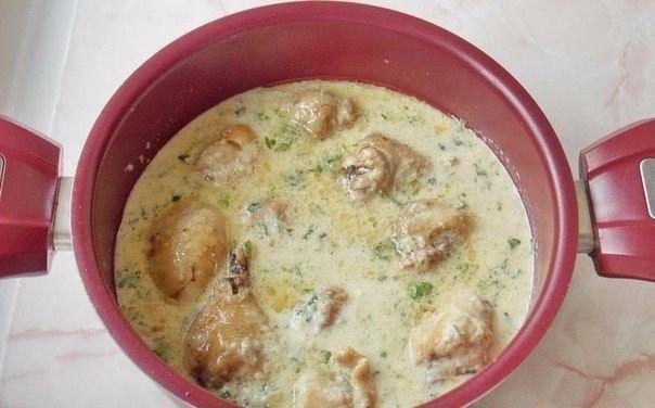 как готовить курицу в сметане на сковороде