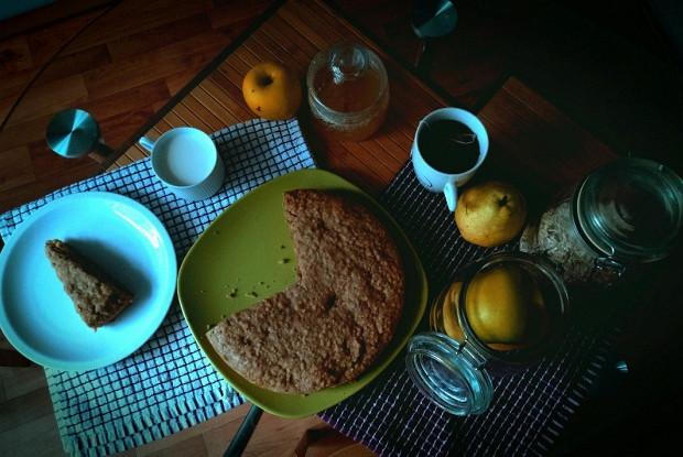 Овсяный пирог с яблочным слоем