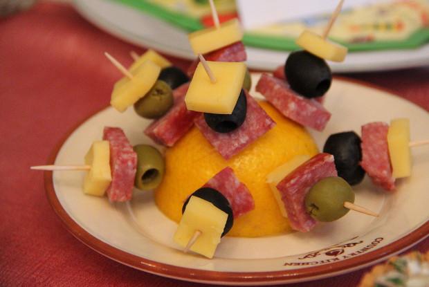 Канапе в итальянском стиле