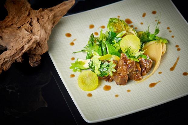 Рагу из баранины с зелеными овощами и чечевицей карри